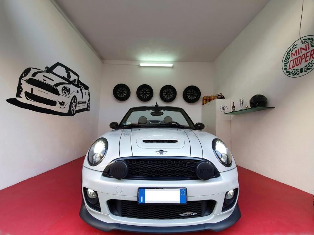 mini garage.jpg